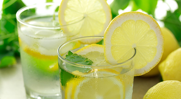 15-Benefits-of-Drinking-Lemon-Water