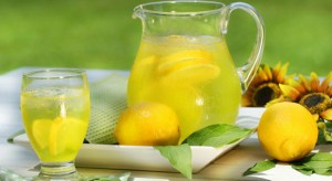 Drinking-Lemon-Juice-Can-Help-Your-Internal
