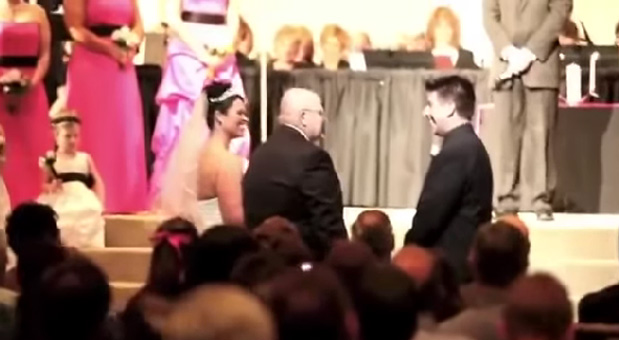 A-Crowd-Blown-By-A-Father's-Story-To-The-Bridegroom
