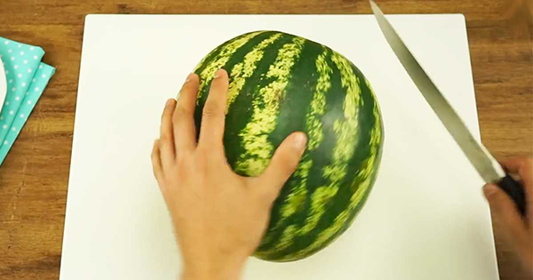 I Now Know The Right Way Of Cutting A Watermelon