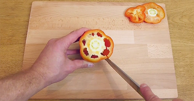 This Will Make You Cut Peppers The Right Way