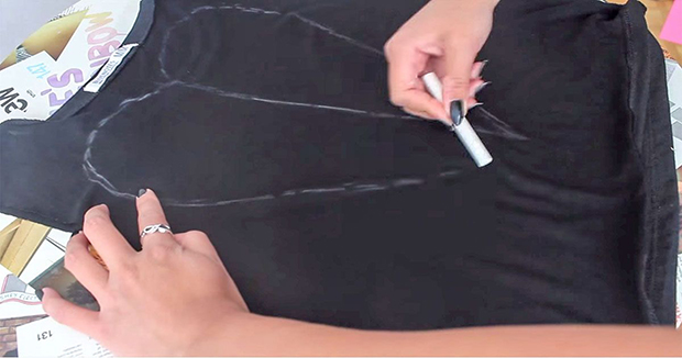 She Started By Drawing A Heart Symbol On The T-shirt
