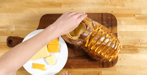 Grilled-Cheese-Bread-Bowl-e1464366685114